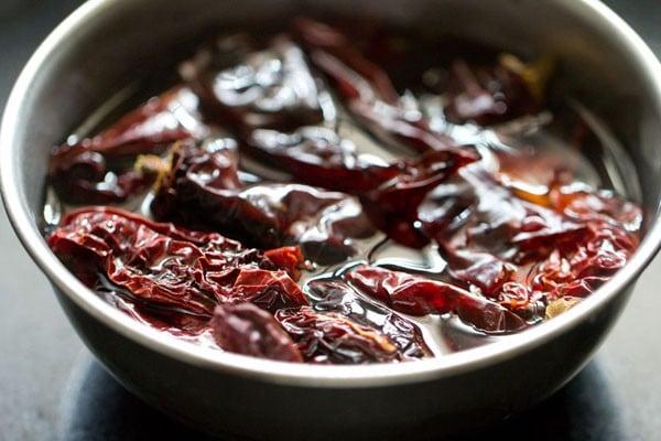 making red chilli garlic chutney recipe