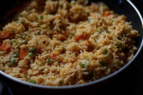 garnish tawa pulao