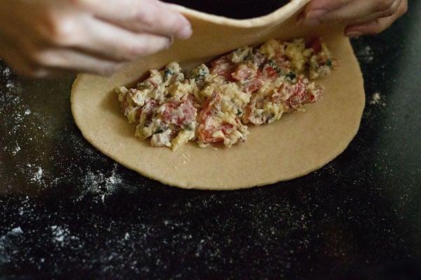 cover calzone edges - making calzone recipe