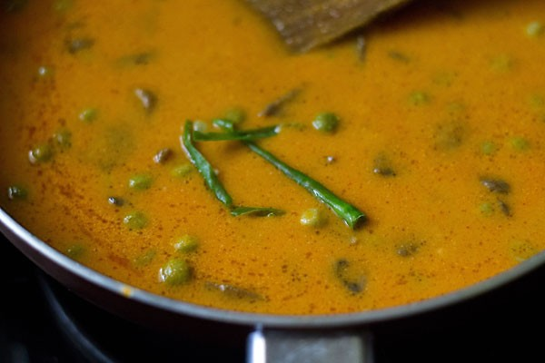 add chillies to mushroom matar makhani recipe