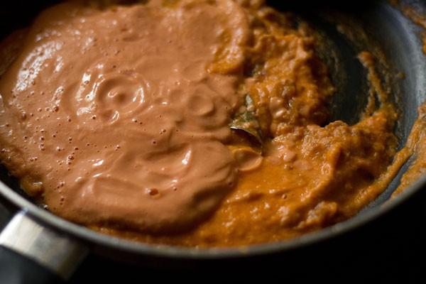add paste to prepare mushroom matar makhani recipe