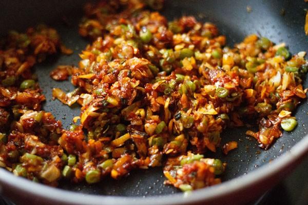 schezwan sauce mixed with veggies