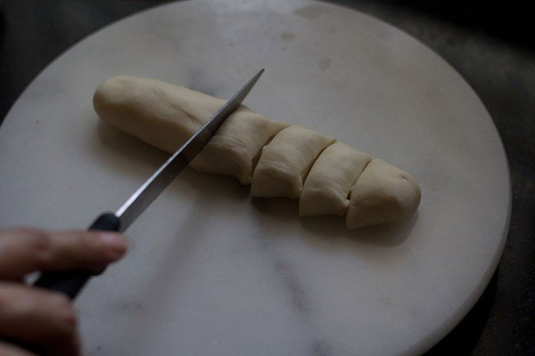 cut dough for making veg momos recipe