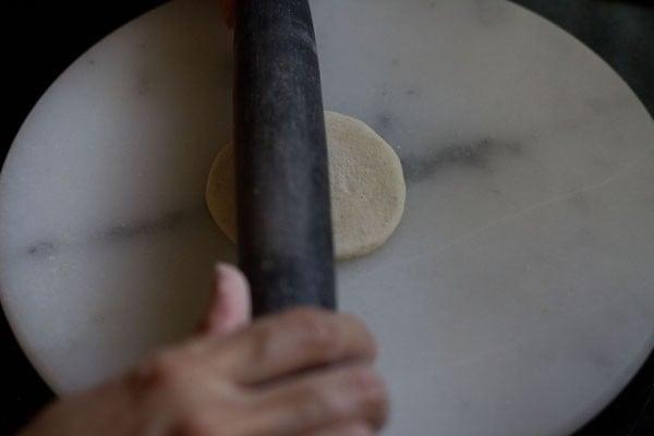 rolling veg momos dough