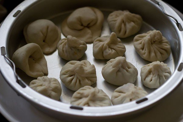 making veg momos