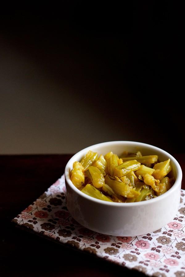 gobi danthal sabzi recipe