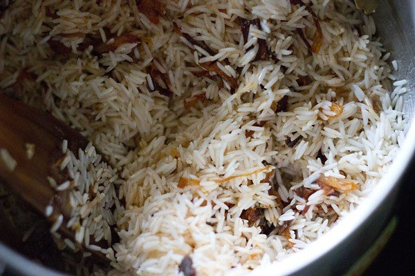 add giner garlic - making kathal pulao