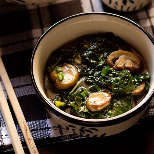 kale and mushroom in ginger sauce recipe