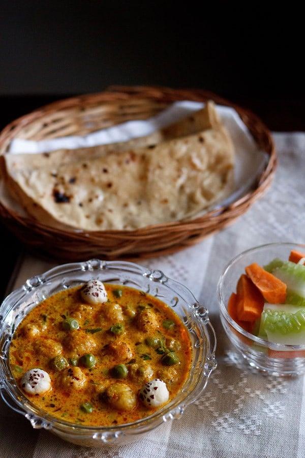 khoya matar makhana recipe, how to make khoya matar makhana