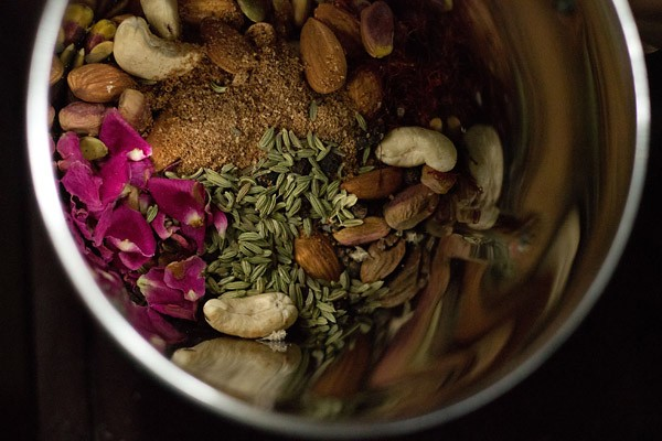 grind masala milk powder ingredients