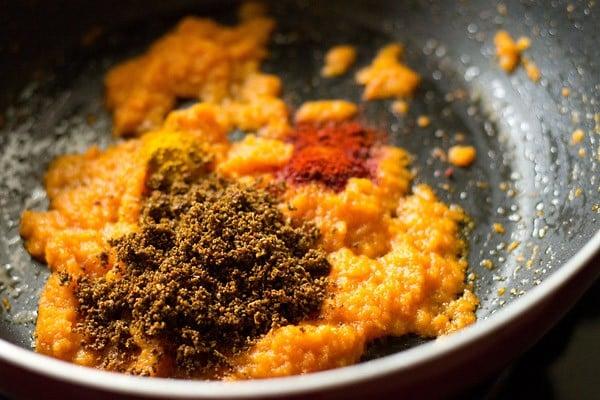 add spices to matki amti masala