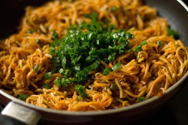 veg schezwan noodles recipe