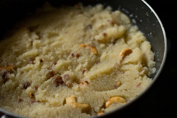 making sooji halwa recipe