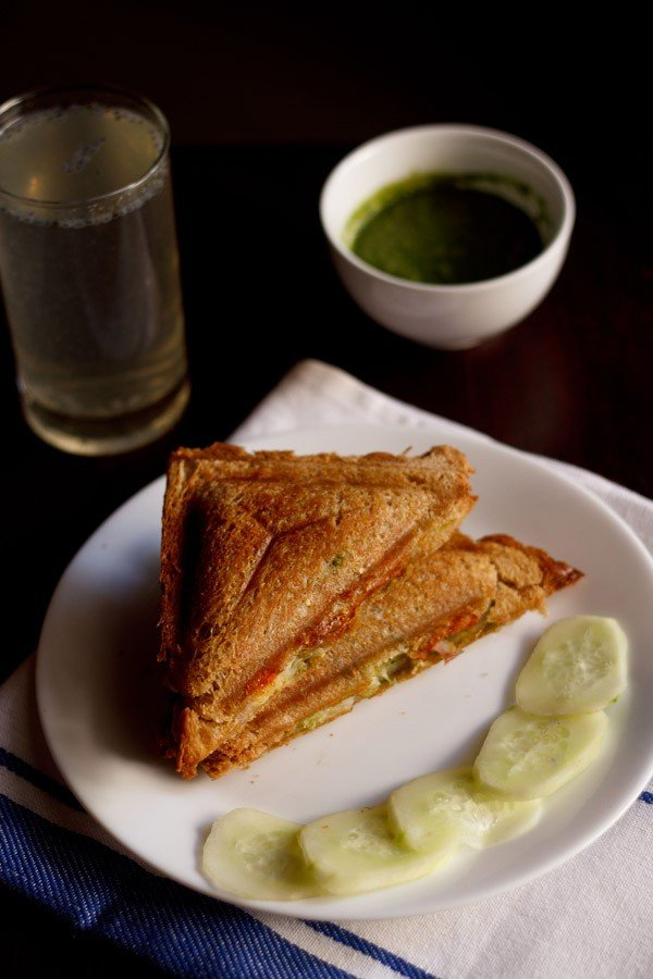 cheese toast sandwich recipe | bombay style veg cheese toast sandwich