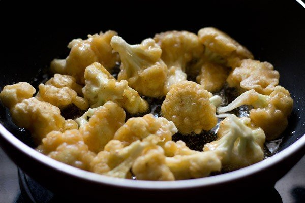 frying gobi florets - making gobi manchurian recipe
