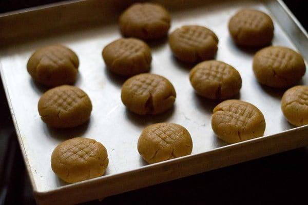 orange crinckle cookies dough balls