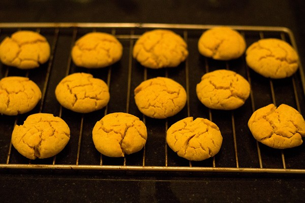 cooling eggless orange crinkle cookies