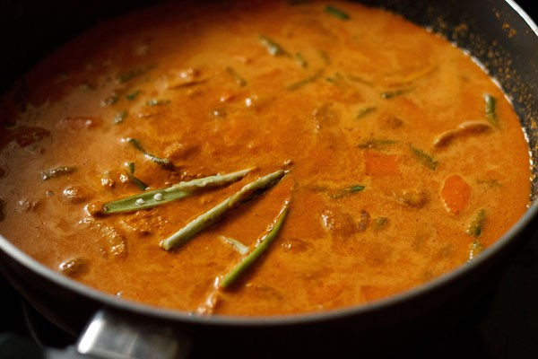 Vegetable curry recipe how to make vegetable curry recipe veg stir goan vegetable curry forumfinder Images