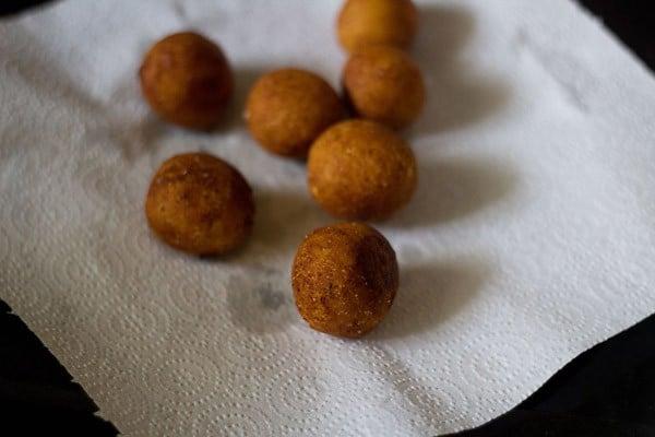 fried gulab jamuns