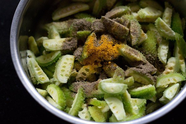 add spices to kantola or kakrol