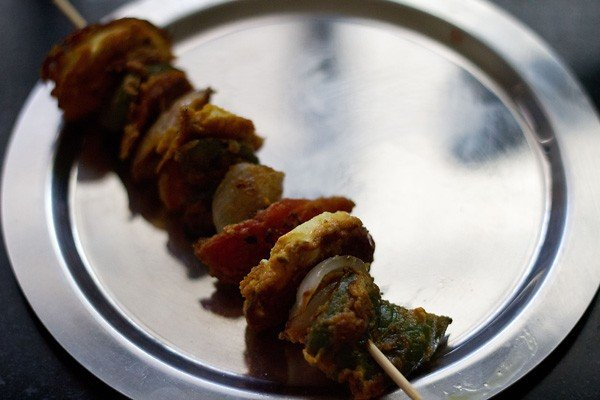 making paneer tikka on stove top