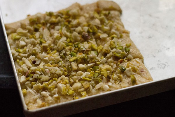 add dry fruits to paneer barfi