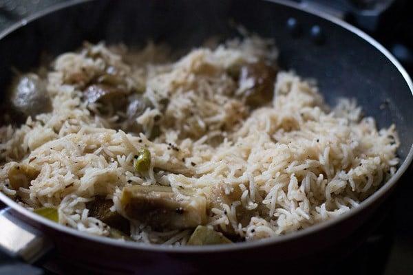 making maharashtrian vangi bhaat recipe