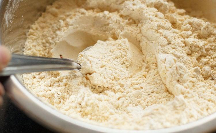 chakli flour mixed well