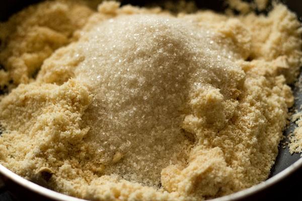 add khoya to make rava ladoo recipe