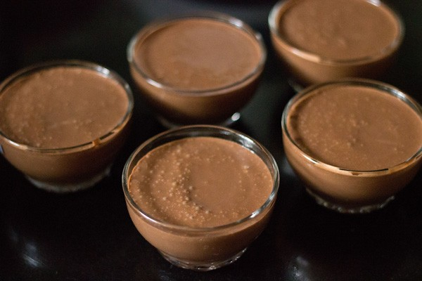 banana chocolate mousse poured in bowls