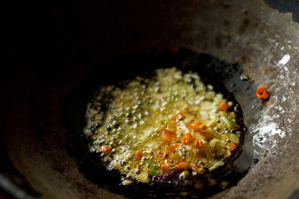 saute ginger garlic to make soup recipe