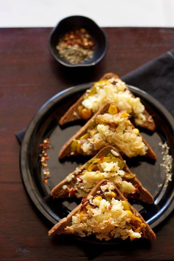 veg bread pizza, bread pizza recipe