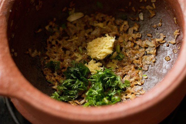 adding ginger-garlic paste for veg handi recipe