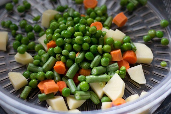 chopped veggies for veg handi recipe