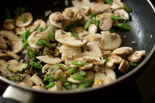 add mushrooms to make hot and sour soup recipe