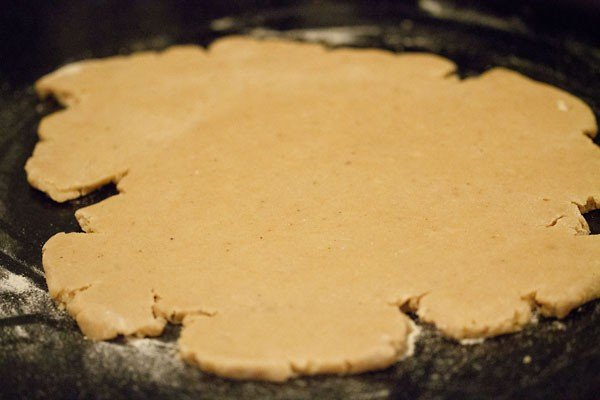 rolling butter cookies dough