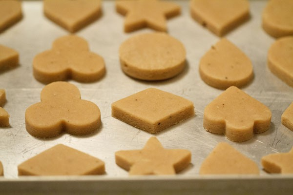 baking eggless butter cookies