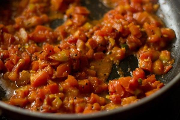 saute tomatoes or tameta