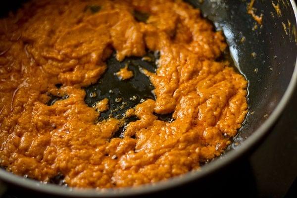 sauting veg makhanwala gravy
