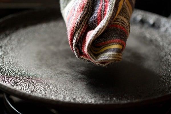 making aloo kulcha recipe