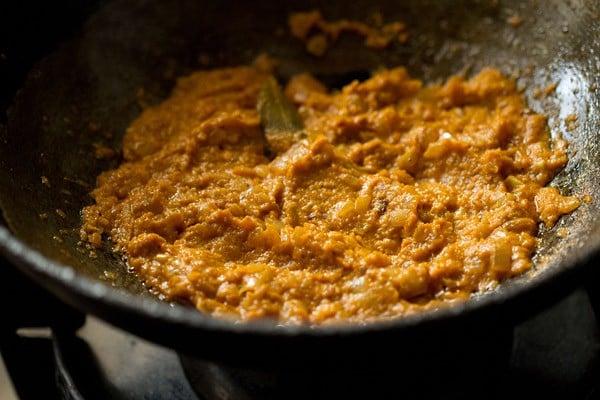 sauting bhindi masala gravy