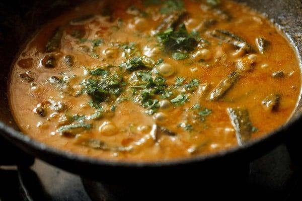 coriander for bhindi masala curry recipe