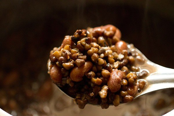 cooked urad dal