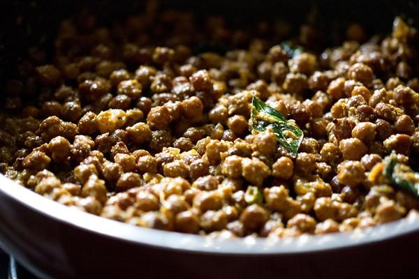 stir kerala kadala curry recipe
