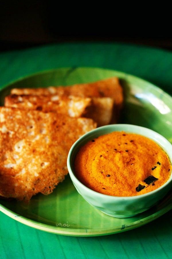 kerala style red coconut chutney recipe, red coconut chutney recipe