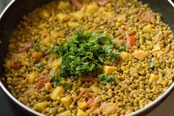 making moong sprouts sabzi