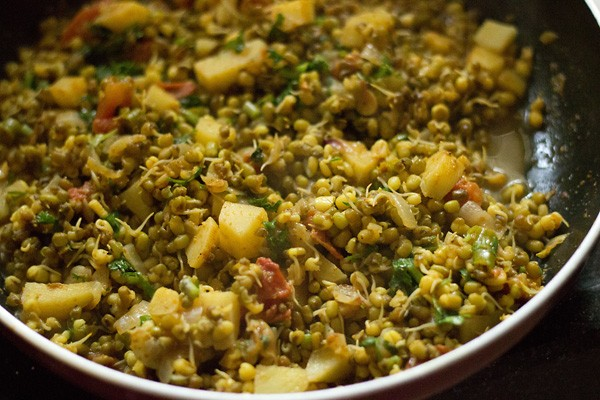 moong sprouts sabzi recipe, moong sprouts sabzi