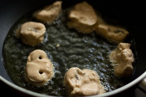 frying mushroom for mushroom manchurian recipe