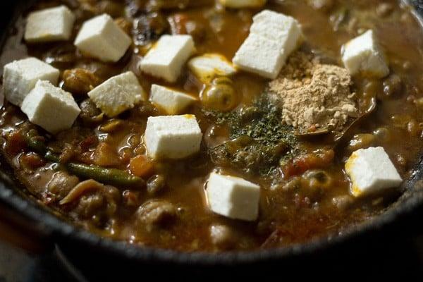 add paneer to chole gravy