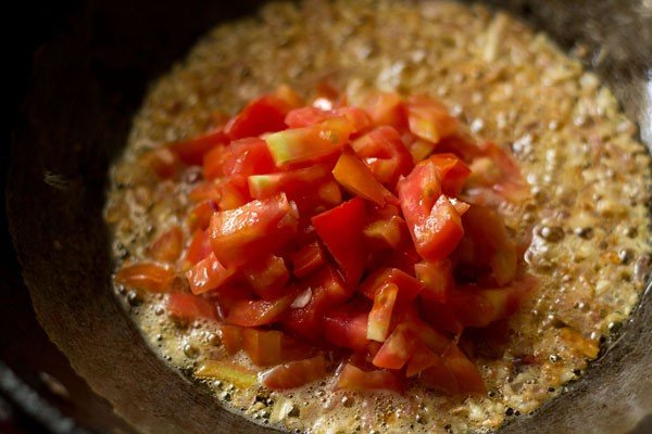 tomatoes for chole paneer recipe